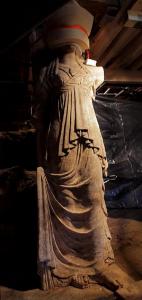 amphipolis_karyatids_full_1